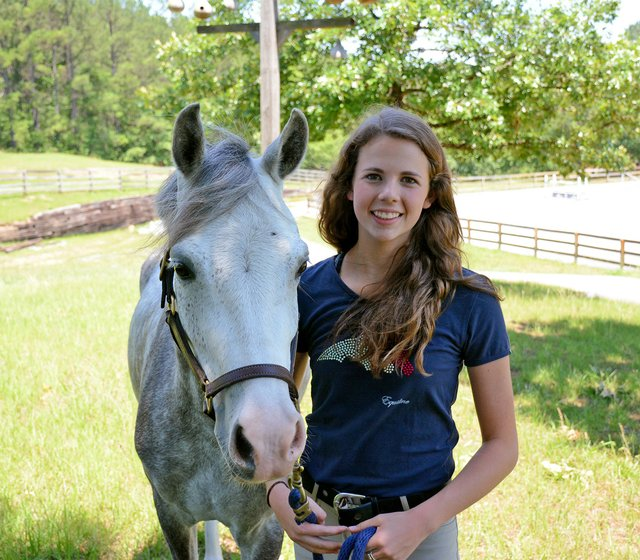 SPORTS---Equestrian-Sisters---Lucy-Reich.jpg