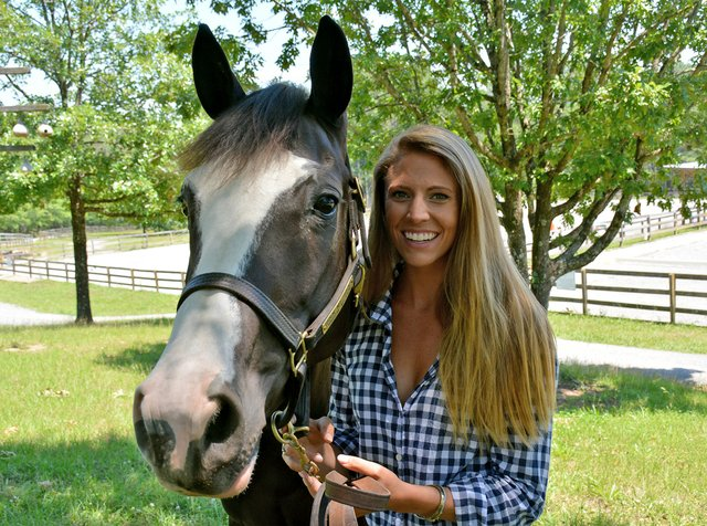 SPORTS---Equestrian-Sisters---Madeline-Reich.jpg
