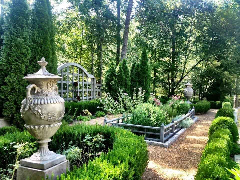 Garden trends to try this spring villagelivingonlinecom