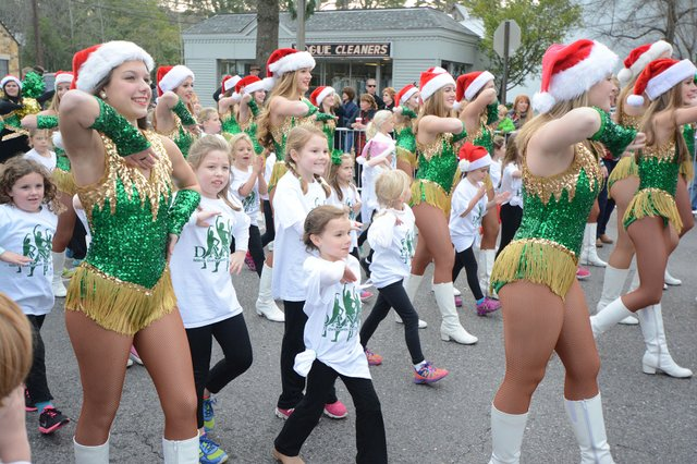 EVENTS---Holiday-Parade-2014_staff-photo.jpg