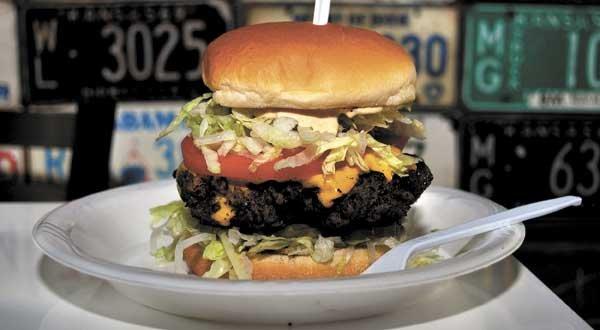 RESTAURANT-saws-burger-3.jpg