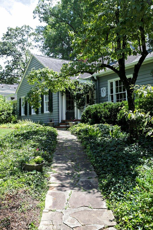 VL-COVER-Historic-Home-Care_McPhillips_SNF_2017.jpg