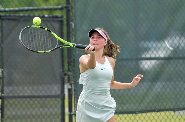 SPORTS---Mountain-Brook-tennis_2.jpg