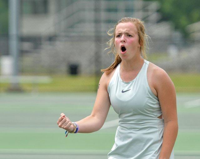 SPORTS---Mountain-Brook-tennis_4.jpg