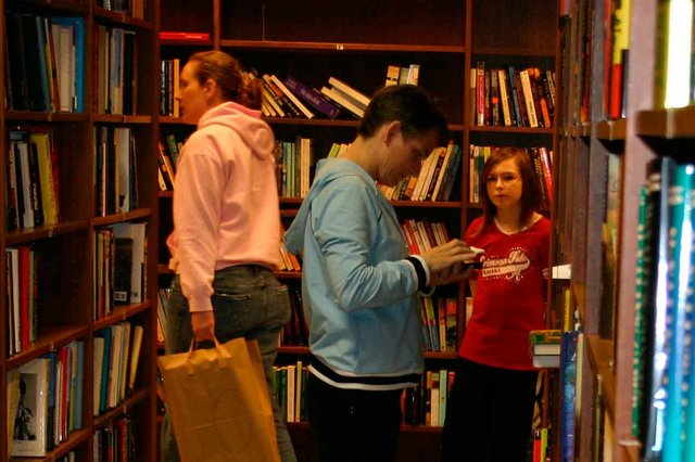 0214 Library Book Sale