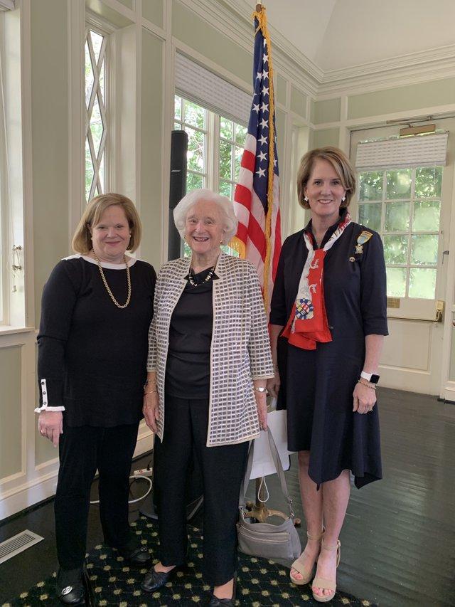 VL COMM BRIEF Colonial Dames hold fall meeting 2.jpg
