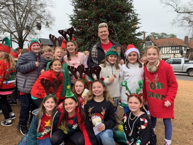 VL SH BRIEF MBE spreads Christmas cheer in Mountain Brook Village.jpeg