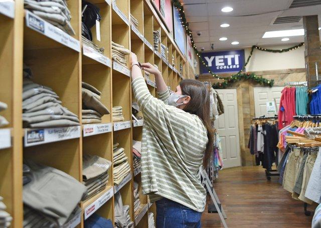 VL-COVER-1-legacy-retailers_EN08.jpg