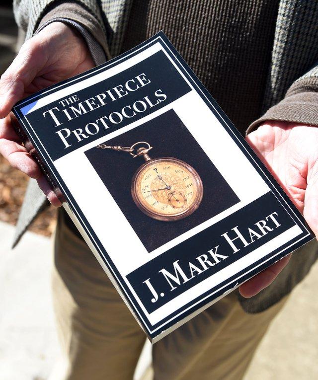 VL-FEAT-timepiece-novel_MHart-EN02.jpg
