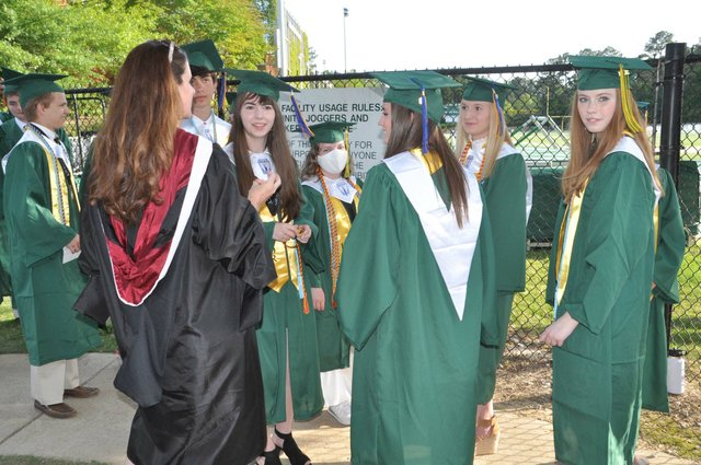 210520_Mtn_Brook_graduation2