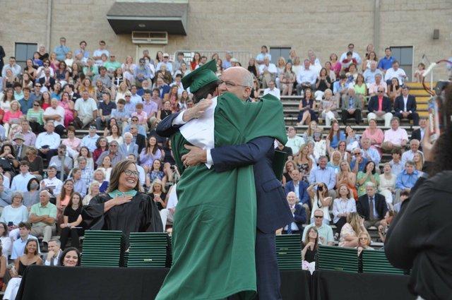 210520_Mtn_Brook_graduation51