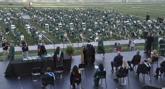 210520_Mtn_Brook_graduation58