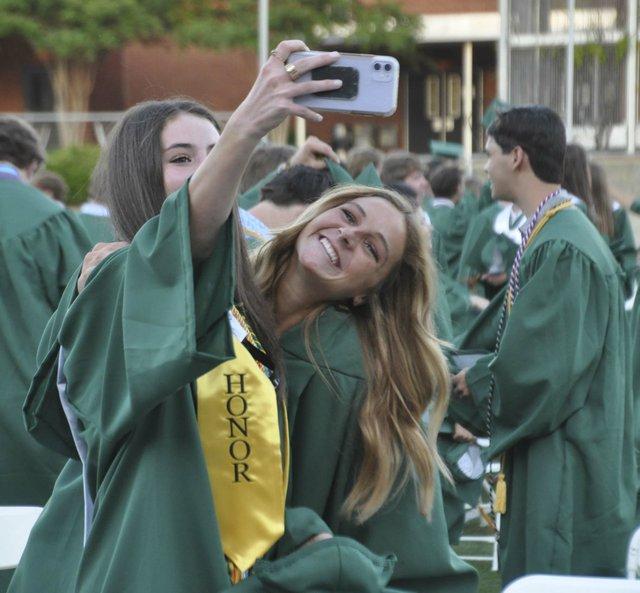 210520_Mtn_Brook_graduation81