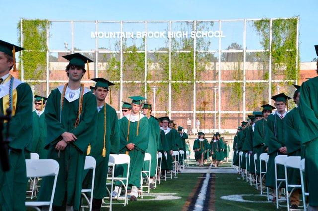 VL-210520_Mtn_Brook_graduation28.jpg