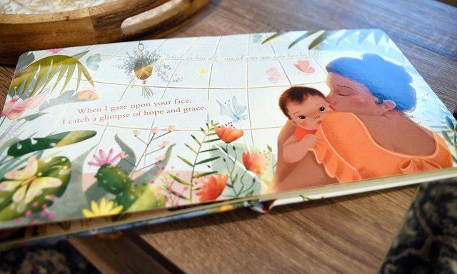 SUN-COVER-Ashley-Huffstutler-BookEN04.jpg
