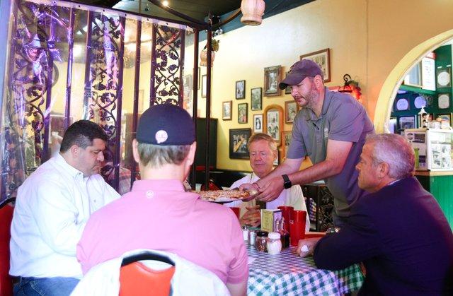 VL-COVER-Restaurant-Davenports-EN01.jpg