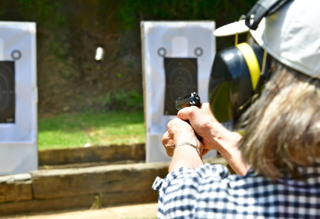 VL-COVER-2-Firearms-Safety-Course_EN19.jpg