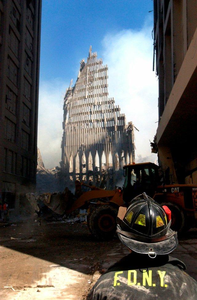 VL-COVER-9-11-WTC_911Attacks04.jpg