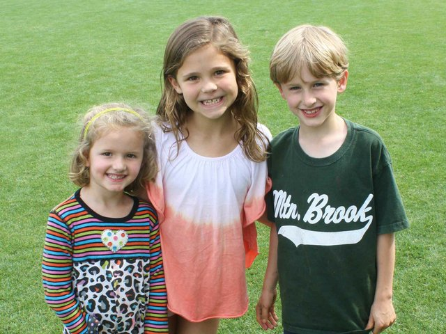 0512 POTD May 5: Caroline Gray, Grace Knight and Davis Gray