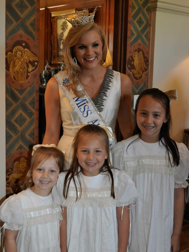 0412 Prince Visit Miss Alabama Kampakis girls