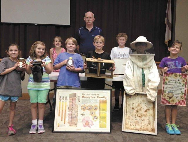 VL-SH-CBS-beekeeper-02.15.jpg