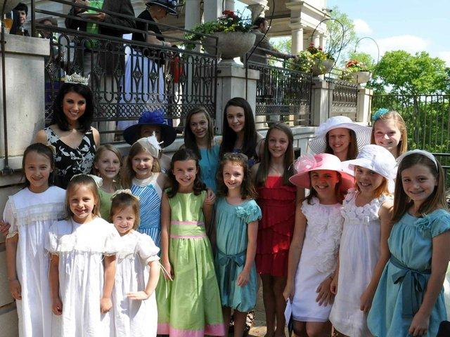 0412 Prince Visit Miss America Girls