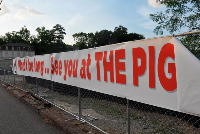Piggly Wiggly Construction Fence