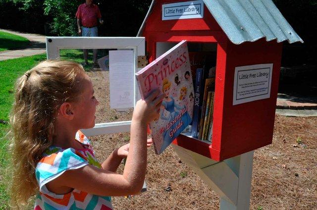 Little Free Library Overton Park