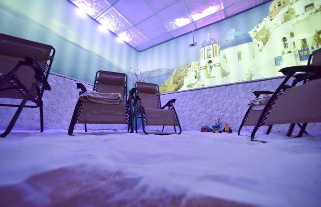 VL BIZ Spiro Salt Room1 copy.jpg