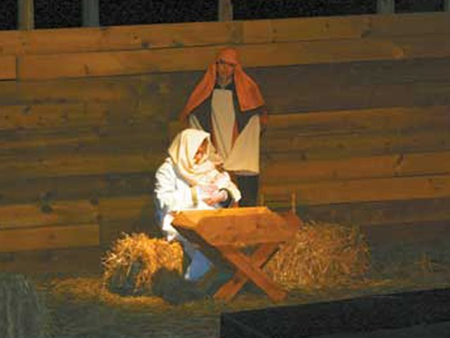 1212 Living Nativity