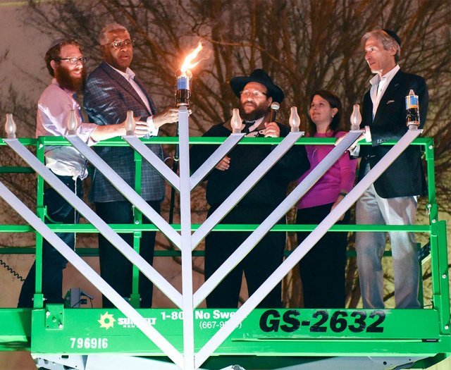 VL-EVENT-Grand-Menorah-Lighting.jpg