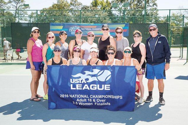 VL-COMM-Tennis-Team.jpg
