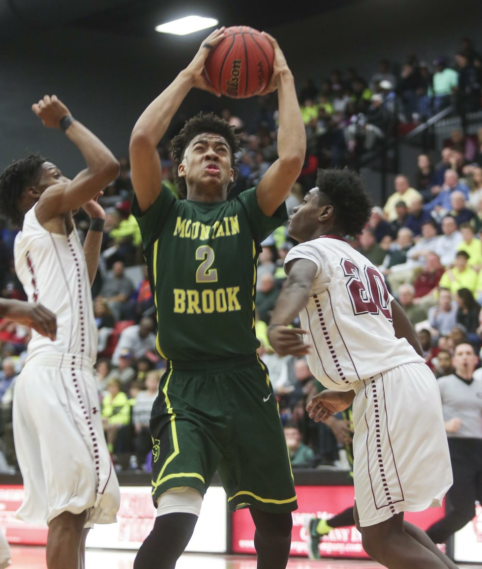 Mountain Brook boys basketball VS Gadsden City 2017