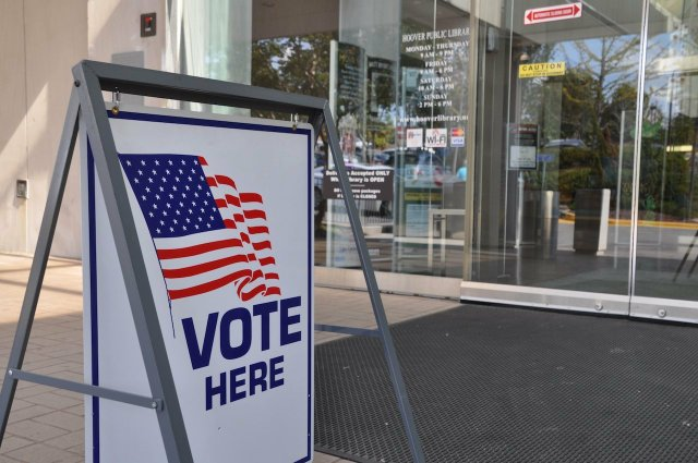 Voting at Hoover library.jpg